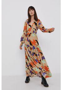Y.A.S - Sukienka. Okazja: na co dzień. Kolor: beżowy. Materiał: włókno, wiskoza, tkanina, materiał. Długość rękawa: długi rękaw. Typ sukienki: proste. Styl: casual