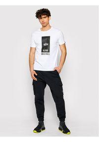 Alpha Industries T-Shirt Logo 126547 Biały Regular Fit. Kolor: biały