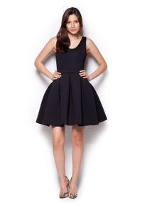 Figl - Czarna Rozkloszowana Sukienka Mini z Dekoltem V na Plecach. Kolor: czarny. Materiał: poliester. Długość: mini