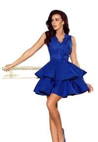 Niebieska sukienka wieczorowa Numoco na imprezę, w koronkowe wzory