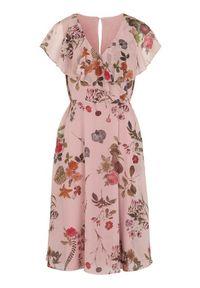 Różowa sukienka Cellbes z falbankami, maxi, kopertowa, w kwiaty