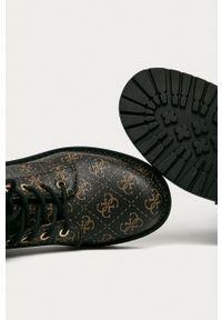Guess Jeans - Workery. Nosek buta: okrągły. Kolor: brązowy. Materiał: jeans