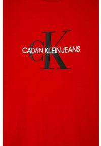 Czerwony t-shirt Calvin Klein Jeans na co dzień, casualowy, z nadrukiem