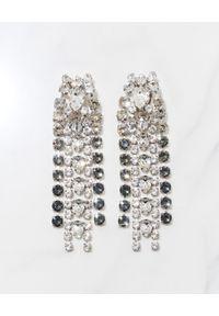 CAROLINE SVEDBOM - Wiszące kolczyki Penelope. Materiał: srebrne, złote. Kolor: srebrny. Wzór: aplikacja. Kamień szlachetny: kryształ
