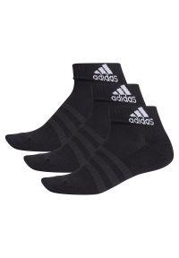 Czarne skarpetki Adidas w kolorowe wzory