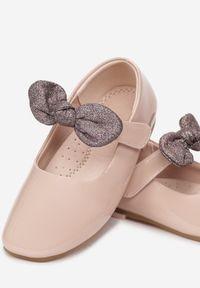 Born2be - Różowe Balerinki Daphgale. Okazja: na wesele, na ślub cywilny. Wysokość cholewki: przed kostkę. Zapięcie: rzepy. Kolor: różowy. Materiał: skóra, lakier. Szerokość cholewki: normalna