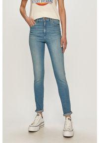 Wrangler - Jeansy High Rise Skinny. Stan: podwyższony. Kolor: niebieski