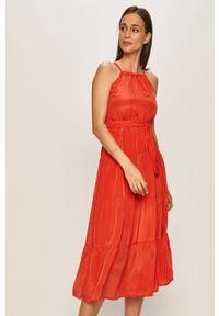 Czerwona sukienka ANSWEAR na ramiączkach, na co dzień