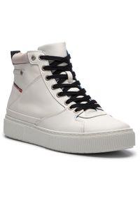 Białe sneakersy Diesel na co dzień, z cholewką