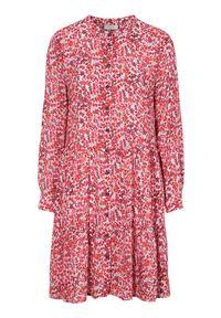 Freequent Sukienko-tunika we wzory Adney czerwony we wzory female czerwony/ze wzorem S (38). Typ kołnierza: kołnierz z falbankami. Kolor: czerwony. Materiał: włókno, wiskoza. Długość rękawa: długi rękaw