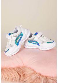 Casu - białe buty sportowe na rzep casu 20p9/m. Zapięcie: rzepy. Kolor: biały