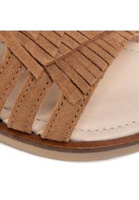 Brązowe sandały Mayoral z aplikacjami