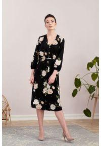 Marie Zélie - Sukienka Lila Lesina czarna. Typ kołnierza: dekolt w kształcie V. Kolor: czarny. Materiał: bawełna, wiskoza, tkanina, materiał. Typ sukienki: proste. Styl: elegancki