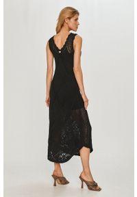 TwinSet - Twinset - Sukienka. Kolor: czarny. Materiał: dzianina. Wzór: haft, gładki. Typ sukienki: rozkloszowane