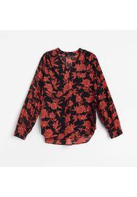 Czarna bluzka Reserved w kwiaty