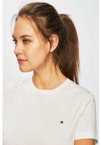 TOMMY HILFIGER - Tommy Hilfiger - T-shirt. Okazja: na co dzień. Kolor: biały. Materiał: dzianina. Styl: casual