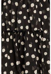 Czarna sukienka Answear Lab na co dzień, mini, z długim rękawem, prosta