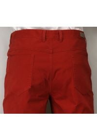 Ezreal - Casualowe Spodnie Męskie, 100% BAWEŁNA, Chinosy, Kolorowe, Czerwone. Okazja: na co dzień. Kolor: czerwony. Materiał: bawełna. Wzór: kolorowy. Styl: casual