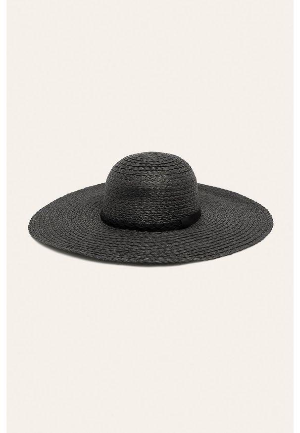 Czarny kapelusz medicine