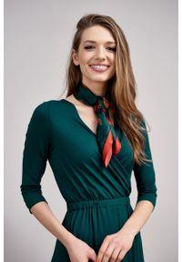 Marie Zélie - Sukienka Rita butelkowa zieleń mikromodal. Typ kołnierza: dekolt kopertowy. Materiał: wiskoza, dzianina, elastan, włókno, skóra. Długość rękawa: krótki rękaw. Typ sukienki: proste, kopertowe #6