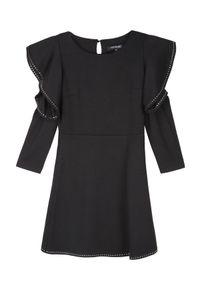 Czarna sukienka TOP SECRET z odkrytymi ramionami, elegancka