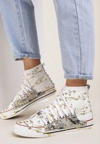 Renee - Biało-Złote Trampki Briwadec. Nosek buta: okrągły. Kolor: biały. Materiał: materiał, guma. Szerokość cholewki: normalna. Wzór: jednolity, nadruk. Styl: klasyczny