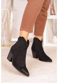 Casu - Czarne botki kowbojki na szerokim słupku casu j20x7/b. Kolor: czarny. Obcas: na słupku