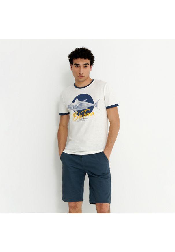 House - Koszulka z nadrukiem Big Tuna - Kremowy. Kolor: kremowy. Wzór: nadruk