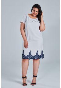Szara sukienka dla puszystych Moda Size Plus Iwanek elegancka, plus size