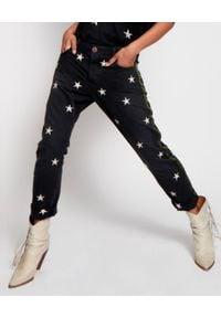 ONETEASPOON - Czarne jeansy w gwiazdy Saints. Stan: obniżony. Kolor: czarny. Wzór: aplikacja. Styl: rockowy