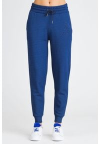 Armani Exchange - GRANATOWE SPODNIE DRESOWE ARMANI EXCHANGE. Kolor: niebieski. Materiał: dresówka