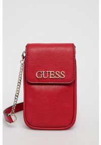 Guess - Torebka. Kolor: czerwony. Rodzaj torebki: na ramię