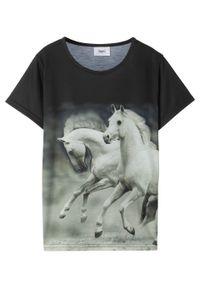 T-shirt dziewczęcy z fotodrukiem bonprix czarny. Kolor: czarny