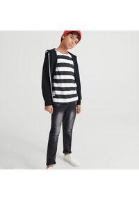 Reserved - Bawełniana bluza z kapturem - Czarny. Typ kołnierza: kaptur. Kolor: czarny. Materiał: bawełna