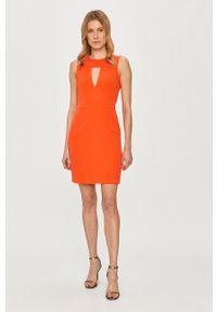 Guess - Sukienka. Okazja: na co dzień. Kolor: pomarańczowy. Materiał: tkanina. Typ sukienki: proste. Styl: casual