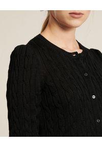 Luisa Spagnoli - LUISA SPAGNOLI - Czarny kardigan Cursore. Kolor: czarny. Materiał: bawełna, jeans, prążkowany. Wzór: ze splotem