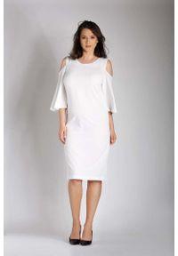 Nommo - Ecru Prosta Midi Sukienka z Rozkloszowanym Rękawem PLUS SIZE. Kolekcja: plus size. Materiał: wiskoza, poliester. Typ sukienki: proste, dla puszystych. Długość: midi