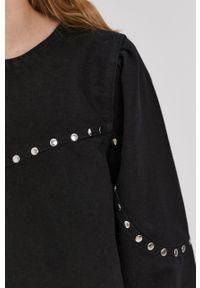 Noisy may - Noisy May - Sukienka. Kolor: czarny. Materiał: dzianina. Wzór: gładki. Typ sukienki: rozkloszowane
