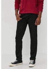 Cross Jeans - Jeansy Jack. Kolor: czarny