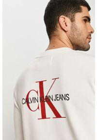 Biała bluza nierozpinana Calvin Klein Jeans z nadrukiem, casualowa