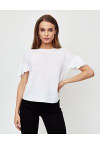LE TRICOT PERUGIA - Biała bluzka z falbankami. Typ kołnierza: kołnierz z falbankami. Kolor: biały. Materiał: bawełna. Styl: elegancki