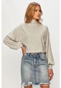 Szary sweter Vero Moda z długim rękawem, długi