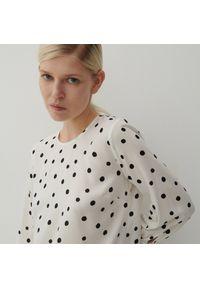 Reserved - Bluzka w groszki - Biały. Kolor: biały. Wzór: grochy