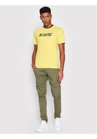 Guess T-Shirt U1GA33 J1311 Żółty Regular Fit. Kolor: żółty