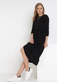 Born2be - Czarna Sukienka Himeete. Kolor: czarny. Materiał: bawełna, dzianina. Długość: midi