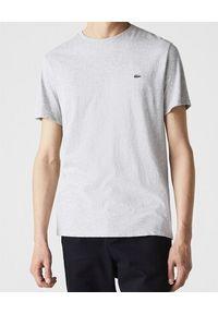 Lacoste - LACOSTE - Szary t-shirt z logo. Kolor: szary. Materiał: materiał. Wzór: haft. Styl: klasyczny