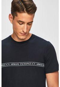Niebieski t-shirt Armani Exchange z nadrukiem, na co dzień