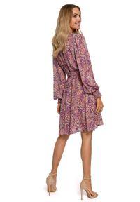 MOE - Kopertowa sukienka z długim rękawem na lato wzór paisley. Materiał: materiał. Długość rękawa: długi rękaw. Wzór: paisley. Sezon: lato. Typ sukienki: kopertowe. Styl: boho. Długość: mini