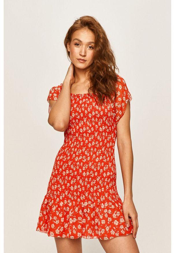 Czerwona sukienka Pepe Jeans z krótkim rękawem, w kwiaty