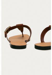vagabond - Vagabond - Japonki skórzane Tia. Kolor: brązowy. Materiał: skóra. Wzór: gładki. Obcas: na obcasie. Wysokość obcasa: niski